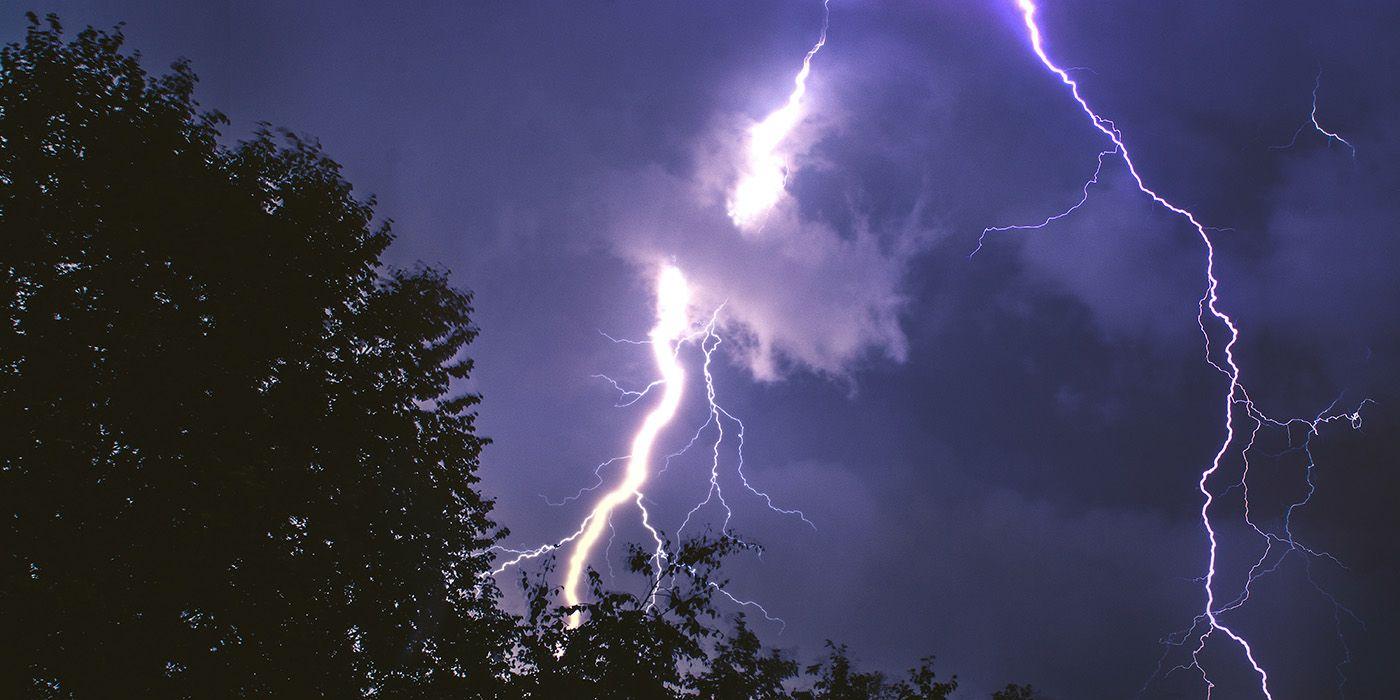 Gamer Gets Electrical Shock Through Controller During Lightning Storm